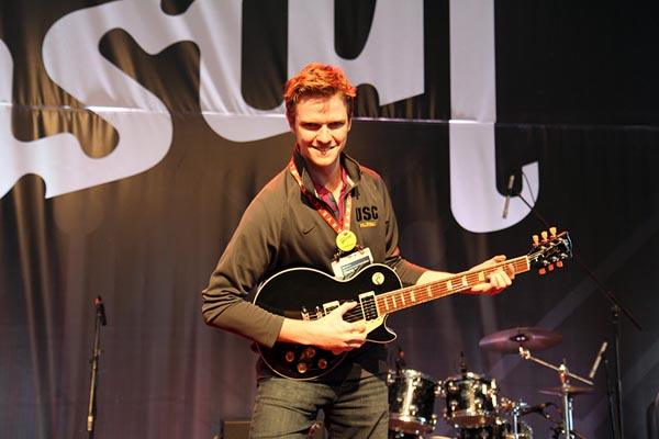 Gibson CES 2013 - Christopher McMahon wins Guitar