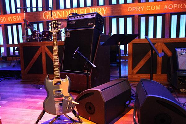 Gibson on Nashville TV set