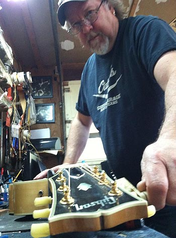 Gibson Tech Tom Oatley