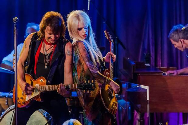 Richie-Sambora-and-Orianthi-by-Kat-Villacorta