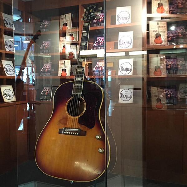 Gibson John Lennon