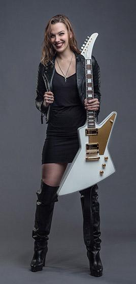 "Lzzy Hale Ties ""Mainstream Rock"" Record Taylor Momsen"