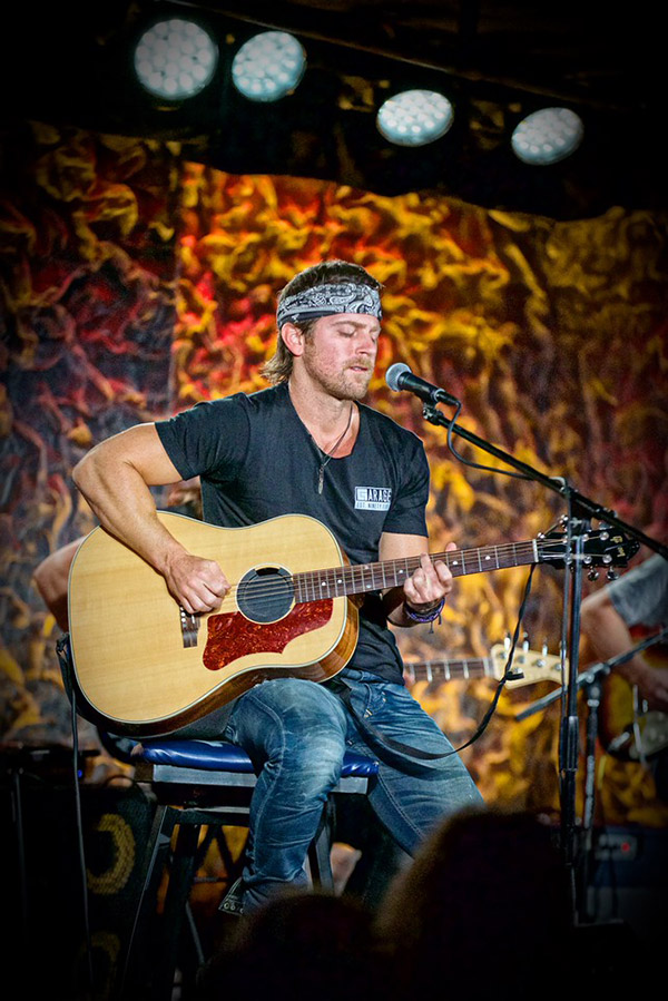 "Kip Moore Among Artists on New Season of ""Front and Center"""