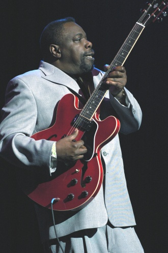 Lurrie Bell with Gibson ES-335