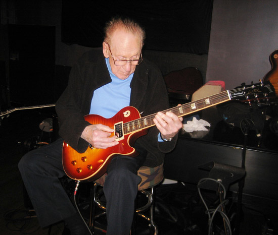 The Legendary Les Paul Introduces the New 2008 Les Paul ...