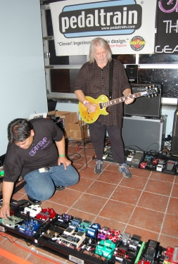 Seymour Duncan plays the World's Largest Pedalboard with a Gibson Les Paul