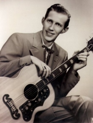 Porter Wagoner with a Gibson J-200
