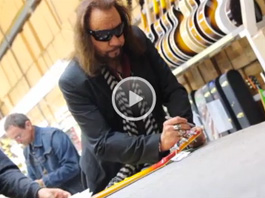 Ace Frehley Budokan Les Paul Custom - The Signing